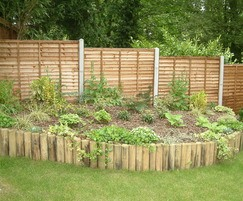 Horizontal lap panel timber fencing