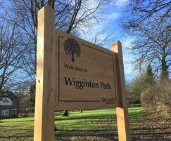 Oak park welcome sign