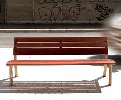 Clásico bench is a enhanced version of the Romántico
