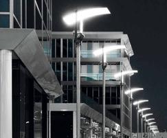 Indirect lighting system comprising floodlight & shade