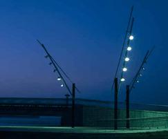 Five revolving floodlights with semi-extensive optics