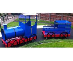 Bespoke play train