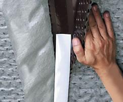 Integrated self-sealing edge