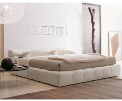 B&B Italia Tufty bed