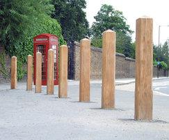ESG150/200 Epping timber bollards