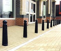 GUN 503 Gunner cast iron bollards