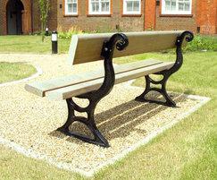 PA7 Palace cast iron and timber seat back detail