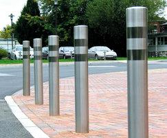 Satin stainless steel bollard with bright polished band