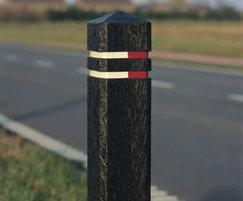 Square bollards with diamond top
