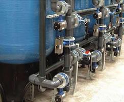 Multi-media liquid filtration system