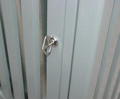 Barrent litter bin - lock
