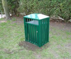 Barrent litter bin in green