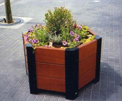 Beaufort hexagonal planter