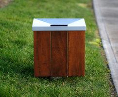 s72 steel and timber litter bin