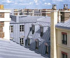 Click strip facade system