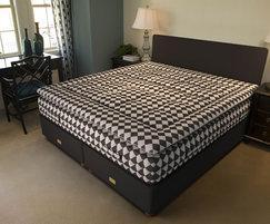 Marshall & Stewart Koh-I-Noor premium bed