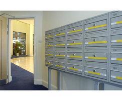 COM 2 front entry/retrieval mailboxes